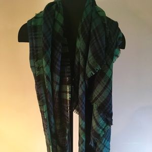 Mod Clothe Blanket Scarf; Green & Blue Plaid